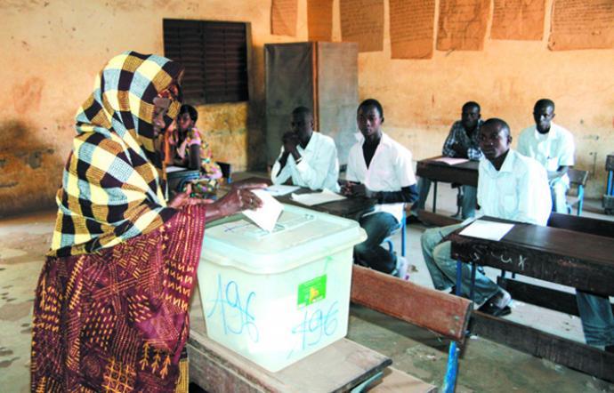 KATI : BEAUCOUP D'ÉLECTEURS ABSENTS DANS LES CENTRES DE VOTE