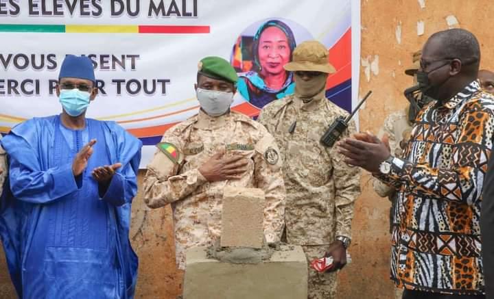École malienne : Le Président de la Transition lance un vaste projet de réhabilitation de salles de classe