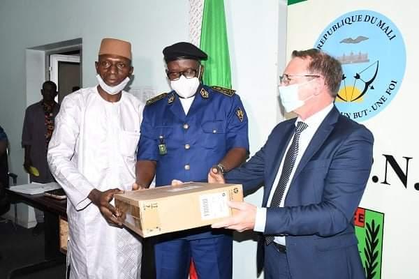 Coopération : La France offre un important lot de matériels à la Police malienne