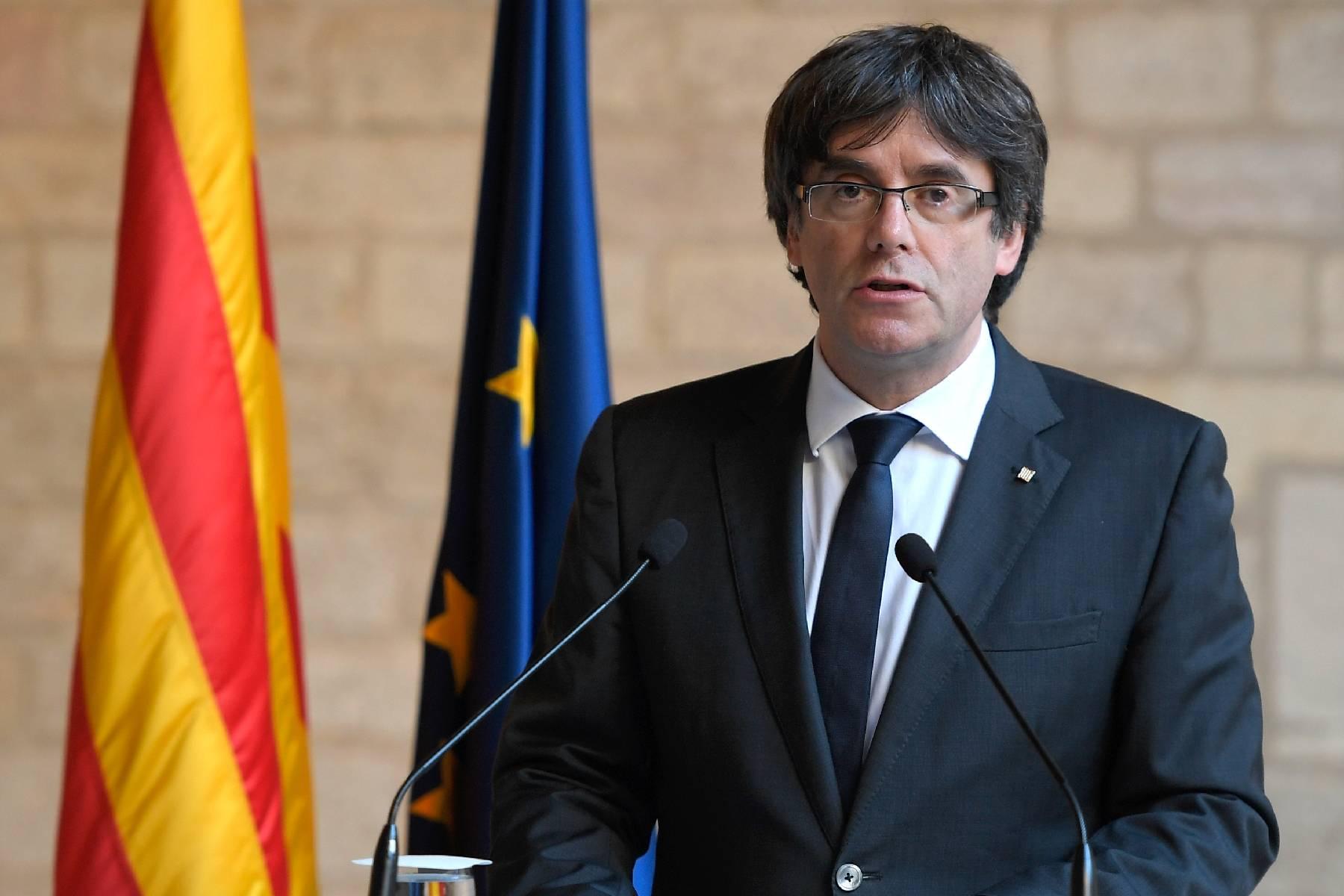 Espagne: l'indépendantiste catalan Carles Puigdemont arrêté à son arrivée en Italie
