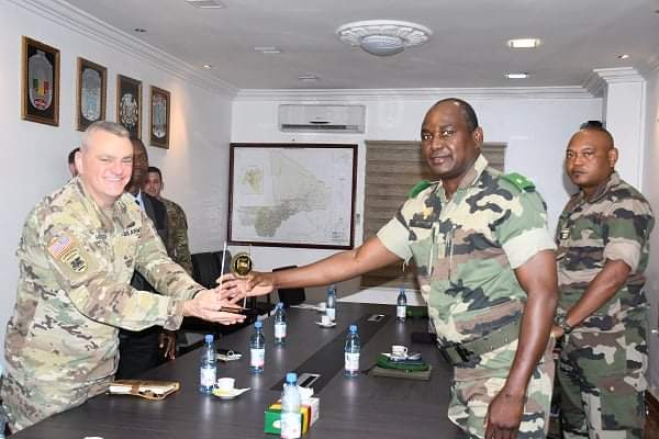 Coopération : Le Commandement des Etats-Unis pour l'Afrique (AFRICOM) à l'Etat-major général des Armées